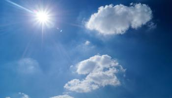 How long will the hot weather last? Latest weather forecast for Ireland with temperatures set to rise further