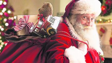 VIDEO: Santa arrives at Birr school in the most Offaly way!