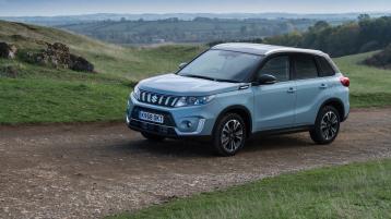 Suzuki Vitara takes the petrol road