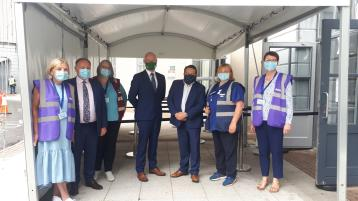 Minister for Health Stephen Donnelly with HSE staff at the vaccination centre in Midlands Park Hotel, Portlaoise on Tuesday, July 27. Photo: Leinster Express