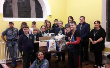 4th Offaly (Edenderry) Scout Group were delighted to be able to present a food donation to Ken Smollen and Deirdre Saunders