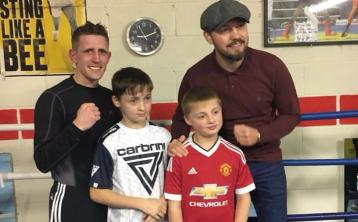 World Champion boxer Andy Lee visits Offaly boxing gym