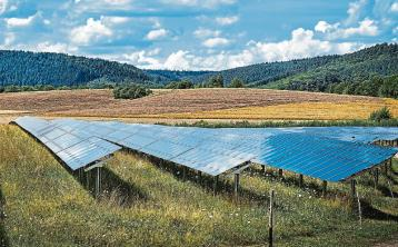 Farmers could power the country with solar panels - Nolan