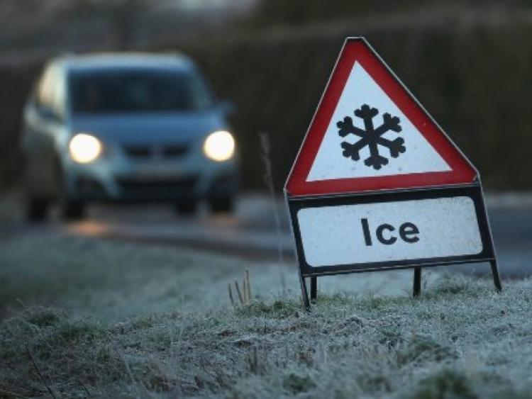 Orange snow-ice warning issued as snow showers expected