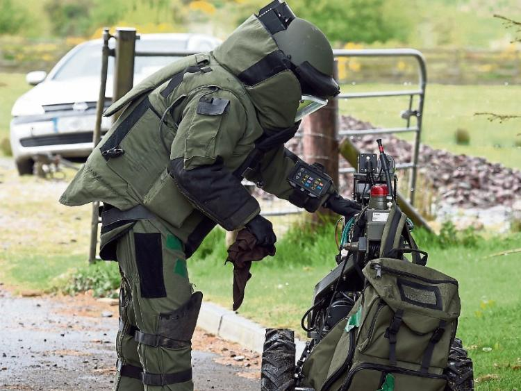 GN4_DAT_7590391.jpg--bomb_squad_make_safe_explosive_device_in_athy.jpg