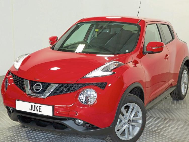 review nissan juke is much more than a novelty offaly. Black Bedroom Furniture Sets. Home Design Ideas